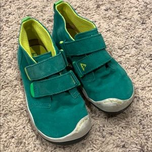 Toddler Boys Plae shoes size 10.5 Lou Suede